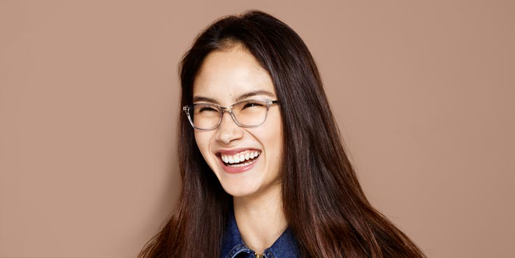 Student Discount at Specsavers. 6th November At Specsavers, students can save 25% off the latest designer glasses with our discount on any pair of glasses from our £69 range and above.