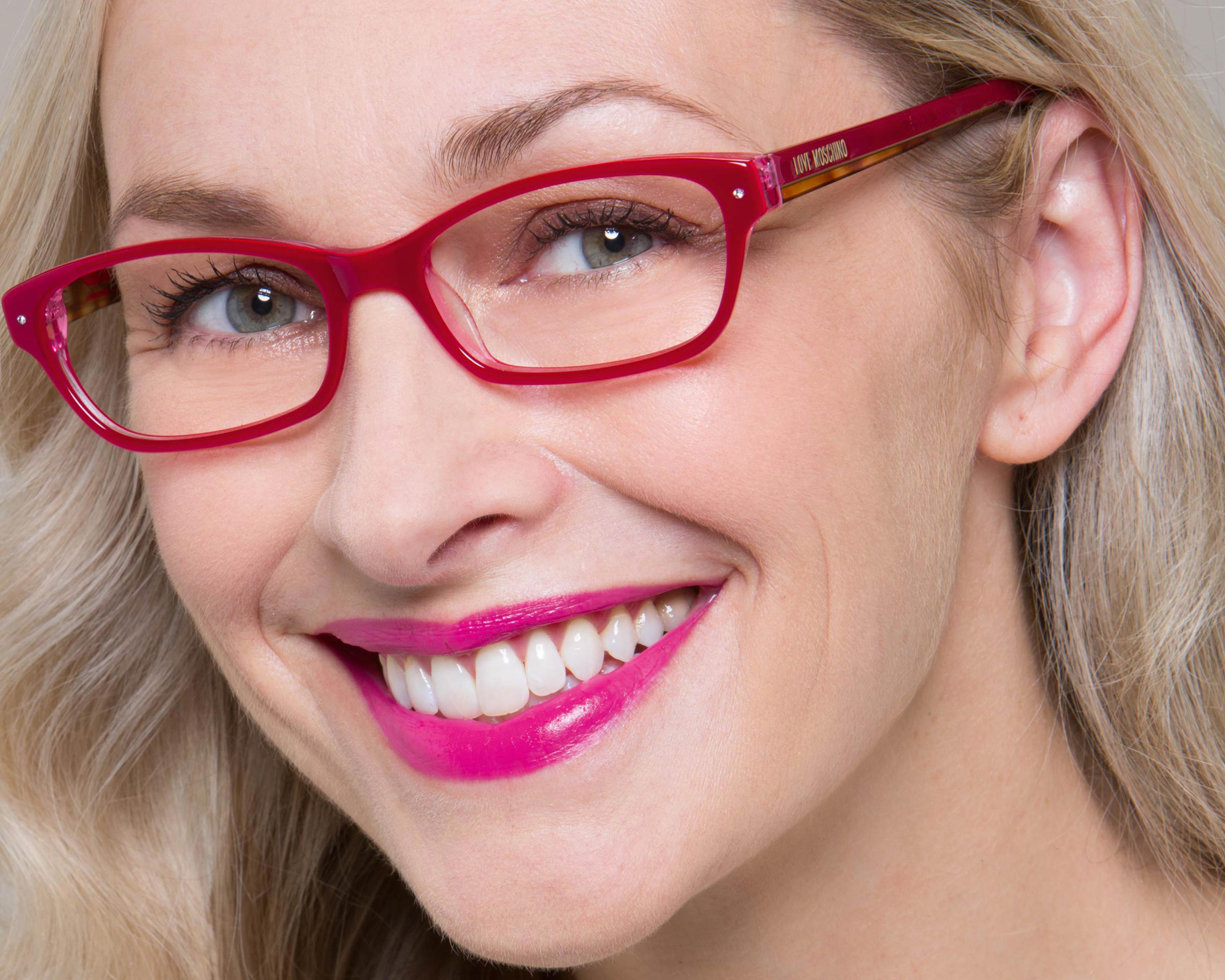 8 Create An Impact With Clashing Specs And Lippie You Don't Have To Stick  To Either Bright Specs Or Lipstick €� Create A Statement Look By Matching  Bright