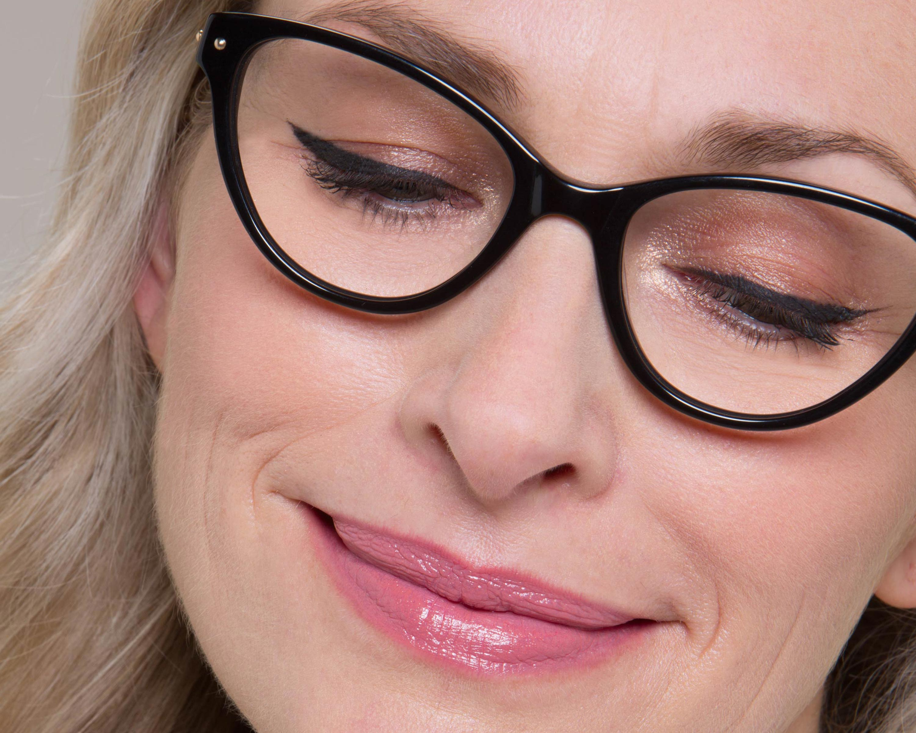 Wearing Makeup With Glasses: 6 Areas to FocusOn pics