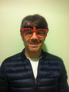 Paul Peschisolido drops by the Solihull Specsavers store