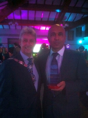 Lateef Iqbal, Specsavers winning the Collectively Camberley Business of the Year Awards 2014