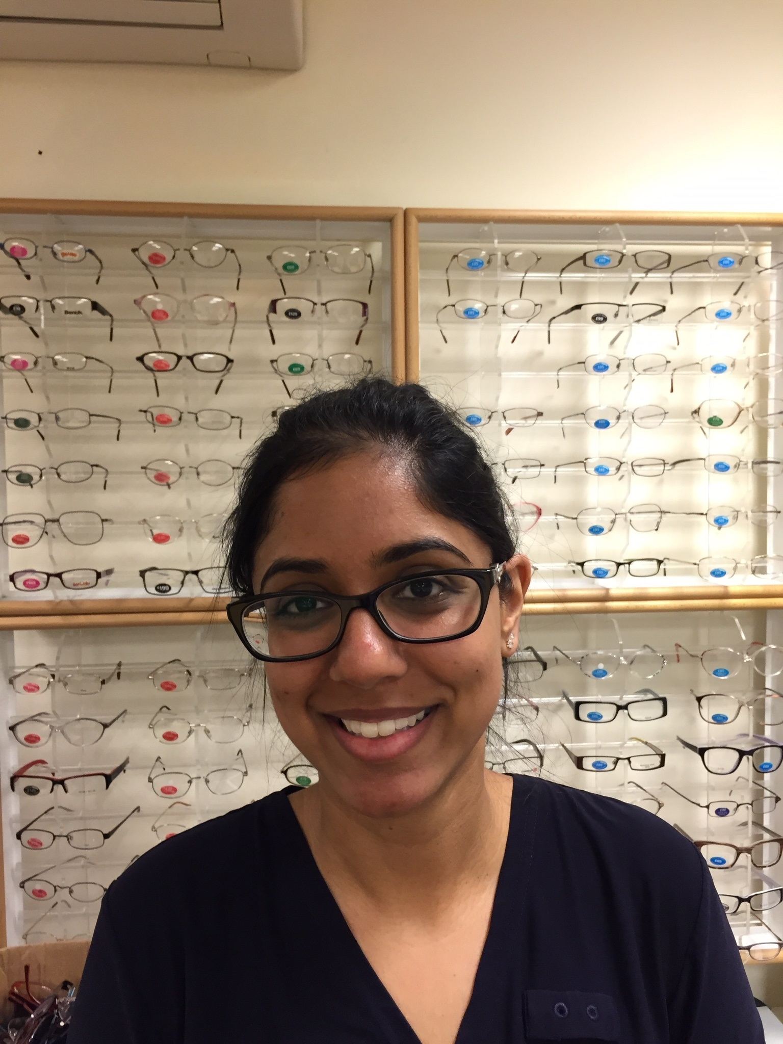 Sunita is an optometrist at Specsavers Gravesend